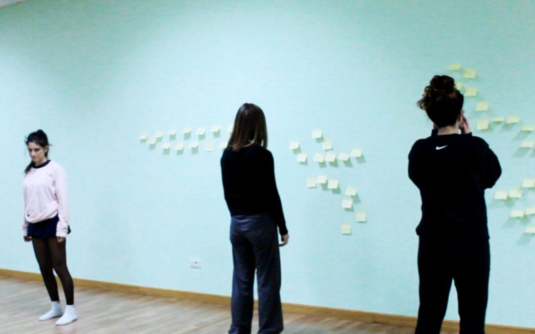 Laboratorio con le studentesse del corso di danza contemporanea di Irene Maria Giorgi